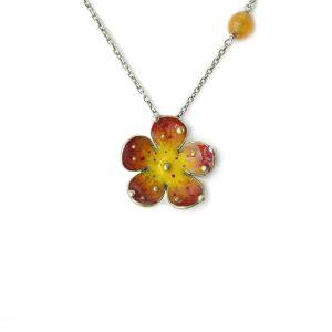 collana con fiore arancio